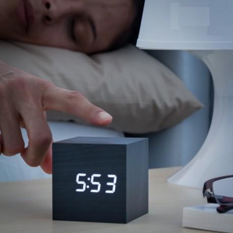 Reloj Despertador Cubo Madera